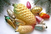 * Vintage Christmas Ornaments / Vintage Christmas ornaments and yuletide holiday decor