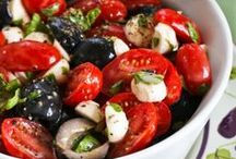 Salade / I love salads, chopped, tossed, marinated, sliced & diced.