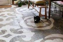 Floor / by Julie Yülle