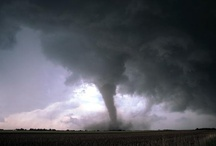 Tornadoes and funnel clouds / by Met Office