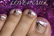 nails nails nails / Creative nail designs for every season or every holiday. These cute designs will make your hands look fabulous and make you feel wonderful about being a girl. / by Vanessa Stade