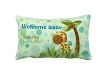 Gifts for Newborns / Are you confused as to what to buy for a newborn baby? Here's a lot of great gift ideas for newborns, everything from soothing crib toys to nursery wall prints, blankets, sweaters, bodysuits, burp cloths, books, even the silver spoon! This newborn baby gift board is a great place to find some good ideas for the special new baby, because I've taken the time to scour the internet for some really great gift ideas for newborns!