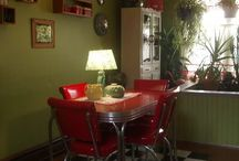 kitchens and dining rooms / by Donna Barrett
