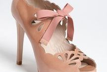 Shoes for a lady / Shoes with bows, flowers, lace, polka dots and the perfect heels!