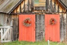 Barns that get my heart / by Niya Christine