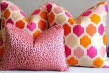 Deco ideas -  Rugs & Pillows / by Aygen Ekinci