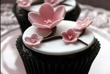 Cupcakes & Cookies / by Aygen Ekinci