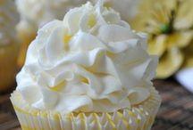 Cupcake & cake pop recipes / by Kris Price