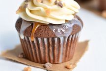 Cupcakes / by Shelly Shoultes