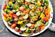 Salads & Sides / by Shelly Shoultes