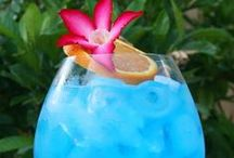 Thirsty? / It's always a great idea to have a signature drink at your event.  / by Time For You ORGANIZING