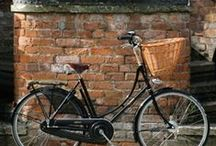 bikes / by Jola Pace