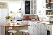 Home: Kitchens  / by Eleanor Rigby