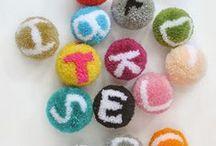 DIY: Textil / DIY aus und mit Textilien, Wolle, Garne, Stoff: Stoffdruck, Färben, Weben, Knüpfen, Teppiche, Wandbehänge, PomPoms,…
