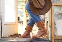 Boot + Hats / All things boots and hats!
