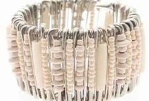 DIY ékszerek biztosítótűből - DIY safetypin jewelry