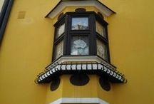 """Windows / Le finestre decorate che trovo """" In giro per il mondo"""""""