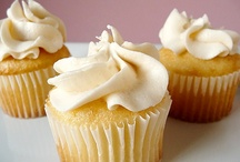 Gourmet Cupcakes / I was ready to splurge on a $2 gourmet cupcake at a local cupcakery ... then I stopped and realized that I could make my own at home. (I'll try these recipes - in moderation - when I'm not on an anti-sugar kick.)
