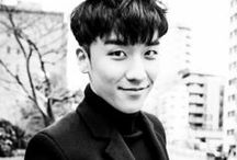 Seungri / The most French of all Korean guys I know. In a good way... I think...