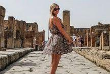 Voyager au féminin / Voyager en tant que femme peut parfois être différent qu'en tant qu'homme, de manière positive ou négative. Alors voyager en tant que femme, voyager au féminin, ça ressemble à quoi? Récits et conseils pratiques autour du monde pour toutes les femmes voyageuses.