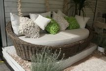 Garden Ideas / To while away the hours in an English country garden..