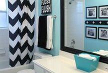 Bathrooms / by Kelly Nixon