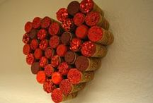 Valentine's Day Food & Crafts / Valentine's Day ideas and inspiration for Valentine's Day crafts, cards, snacks, decor, and gifts.
