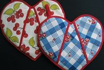 Pot Holders / Oven Mitts