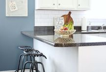 Home Decor- Kitchens / Gorgeous farmhouse kitchens! Rustic kitchen inspiration and ideas! Open shelves, painted kitchen cabinets, DIY backsplashes.