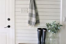 Home Decor- Entryway / Cozy and inviting farmhouse entryways. Beautiful and rustic entries.