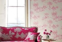 Living rooms / by Denise Delgado