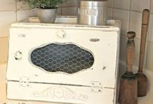 Vintage: Kitchen / Collecting and decorating with vintage kitchen utensils and cookware. / by Organized Clutter