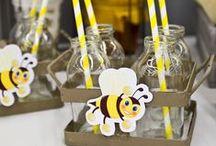 Baby Shower printanière / Baby Shower bizz bizz : Abeille, jaune, blanc, noir, miel, diaper cake, cupcakes..