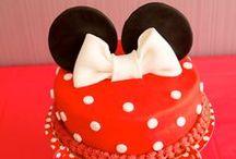 Anniversaire Minnie / Découvrez l'anniversaire féerique de Faustine, pour ses 3 ans, une décoration haut en couleur, des jeux, un cakedesign et la présence de Mickey & Minnie. Entrez dans le monde de disney !