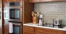 Kitchens - Wood Cabinets / Kitchens with wood cabinets and / or islands