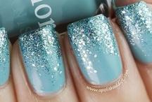 Omg, look at those nails!!