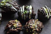 Sweets / by Kiley Maziarski