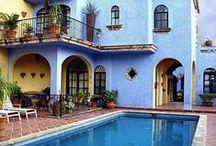 Hoteles en Tlaquepaque / Hospédate en el hotel perfecto de Tlaquepaque y conoce cada rincón de este destino.