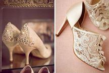 Zapatos para novias / Lo ultimo en zapatos de novia, sandalias, botas, tacones, y toda la tendencia en el calzado que te llevara al altar! / by CasarCasar - Portal de Novias