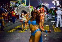 Carnavales de México / Entre los meses de enero y febrero en casi todo México se puede disfrutar de los carnavales, una celebración alegre llena de música y comparsas para demostrar un show increíble. ¡No te pierdas los mejores Carnavales de México!