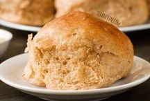 Breads, Loaves & Rolls / by Melissa Bonnell