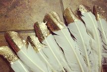 Gold & Sparkle Accents / Gold, sparkle, silver and metallic wedding ideas and inspiration.