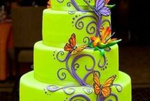 Beautiful CAKE DESIGNS / Simple to complex decorations catch my eye.  A board to pay respect to the art of cake decorating.