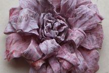 Crafty - Flower Power / making flowers