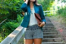 College Wardrobe / Keep up with the hottest fashion trends and look your best walking around campus.
