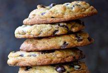 Foodie: Cookies, Brownies & Bars / by Nicole Patrizio