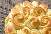 Recipe Ideas - Bread - Pães / by Maria Fernanda