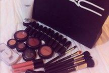 Makeup / by Jessica Mcquiggan