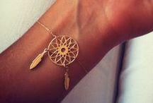 fashion:accessories / by Nichole Thevenin