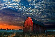 Barns / Barns! / by Christine Haden